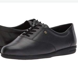 Easy Spirit Women's Motion Black Lace up Oxford 7W